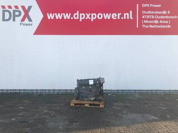 MAN 6 660E Marine Diesel Engine - DPX-11735 - 1999