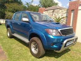Call Haroon on 2005 Toyota Hilux 3.0 D4D Double Cab