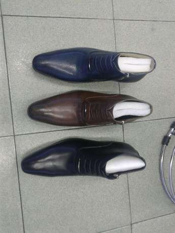 good quality shoes at affordable price King William's Town - image 3