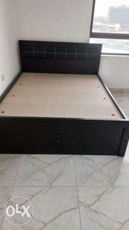 Metrres and bed for sale new.