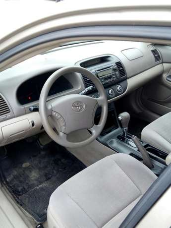 This Toyota Camry 2005 is for sale Surulere - image 8
