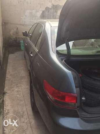 Honda accord well used Lagos Mainland - image 4