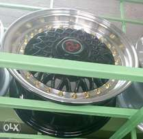 Size 14 for Toyota n Nissan