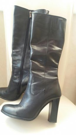 Шкіряні жіночі сапожки осінні 35р  1 000 грн. - Жіноче взуття Луцьк ... f27f4669a2c8a