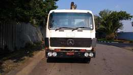 Mercedes Benz 8 ton flatbed with Pesci SP130 crane