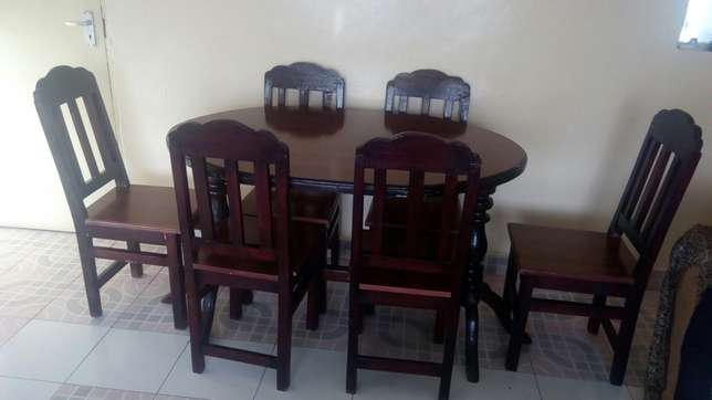 Diningset and dressing table for sale Thika - image 3