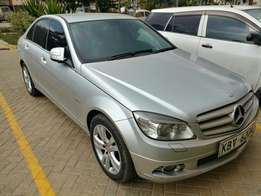 Exquisitely maintained Mercedes C200K