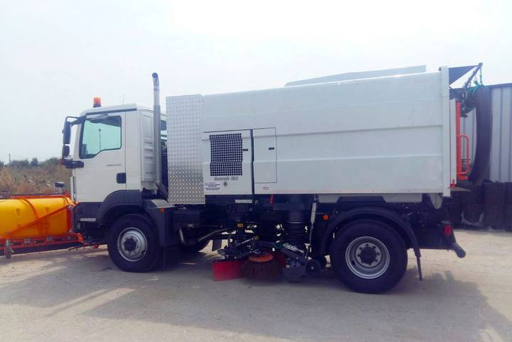 Scarab automaturatoare capacitate mare  m65t road sweeper