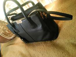 Executive hand bags pure leather