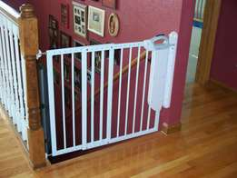Safety door on staircase for kids