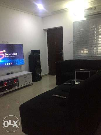 2bedroom Jakande off osapa,no agency and no agreement feeto be paid Lekki - image 1