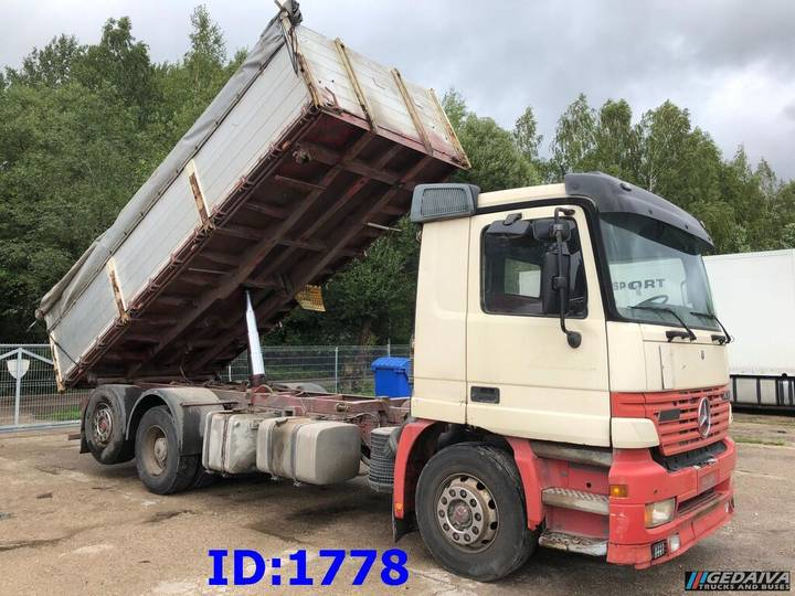 Mercedes-Benz Actros 2543 6x2 3 side tipper - 2000