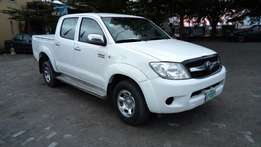 Clean Nig used 2008 Toyota Hilux 2.7 VVT-i In Excellent Condition.
