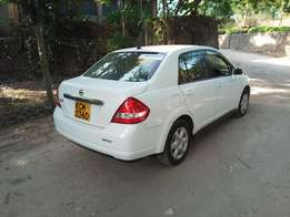 2011 Nissan Tiida Latio best 4 Uber and personal than Toyota Axio