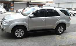 2010 toyota fortuner v6 4.0, in excellent condition.