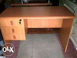 4FT Durable New Office Table (SR128)
