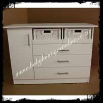 Large Compactum With Split Baskets