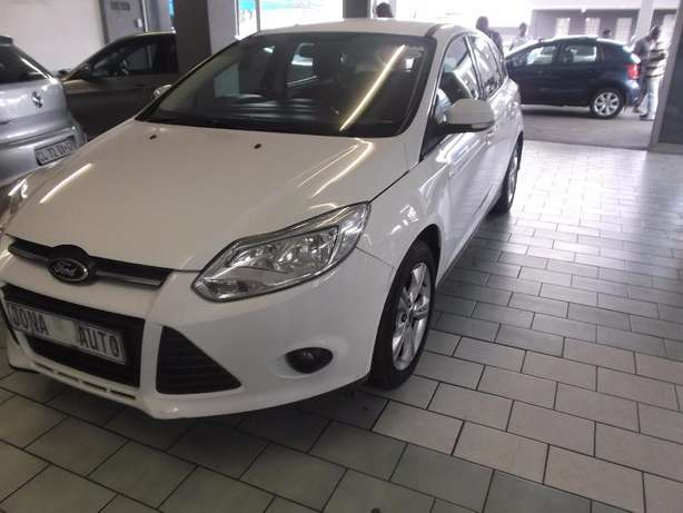 Pre Owned 2012 Ford Focus 1.6 t/l Johannesburg - image 2