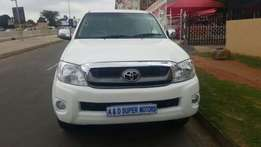 Legend 45 Toyota Hilux 4.0 V6 4X4 Auto Double Cab Bakkie For Sale