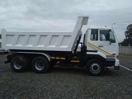 2007 Nissan UD440 10 Cube Tipper