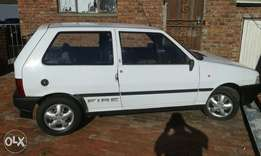 Uno 2 door fire 1.1 R15000.
