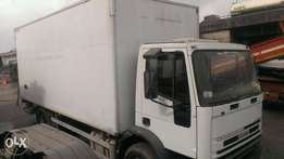 Tokunbo Iveco Container body truck six tyres