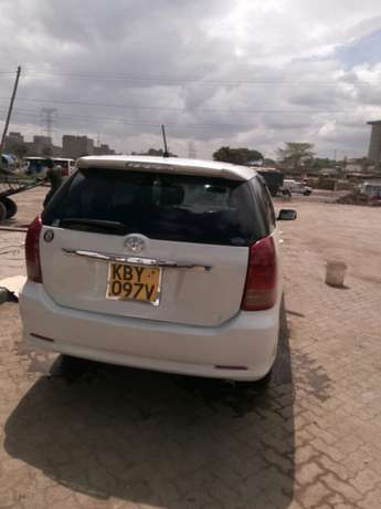 Toyota wish on sale. Super cool and neat car. Totally accident free Donholm - image 3