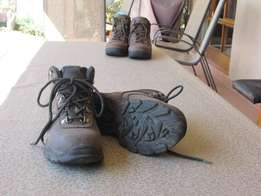 Hiking boots, ladies size 5 for sale  Waterkloof