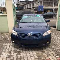 Tincan Cleared 2009 Toyota Camry LE 4 cylinder Engine (Blue Color)