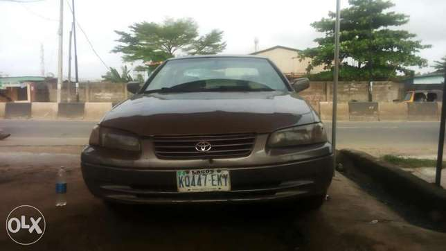 Toyoty camry very clean Buy and drive 1998 Isolo - image 6