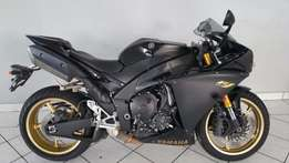 2009 Yamaha R1 Big Bang in excellent condition