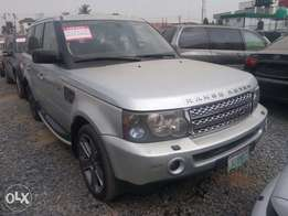 Extremely clean Range Rover Sport 2009 Edition