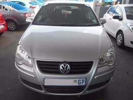 Volkswagen Polo Comfort Line 2010 1.6 Hatch Back Manual Gear 82,000 km