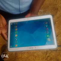 neat Samsung galaxy Tab 4 for sell