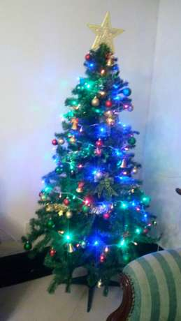 Brand new 6ft plastic Christmas tree Nairobi CBD - image 3