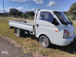 H100 bakkie to trade for Toyota Hilux 4x4