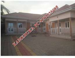 Spotless 2 bedroom 2 baths house in Biina town at 550k