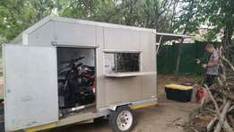 Enclosed bike trailer