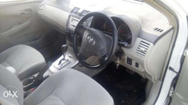 Selling above Toyota Fielder Hurlingham - image 5