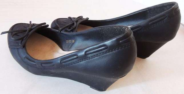 Black official wedge heel (VJ Collections) Ruaka - image 3