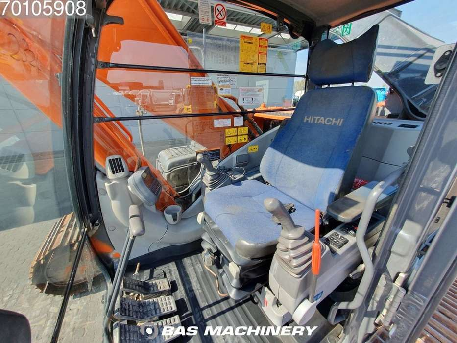 Hitachi ZX280LC-3 Nice and clean machine - 2010 - image 18