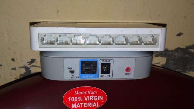 A D-Link Router plus TP-Link On Sell Kisumu CBD - image 3