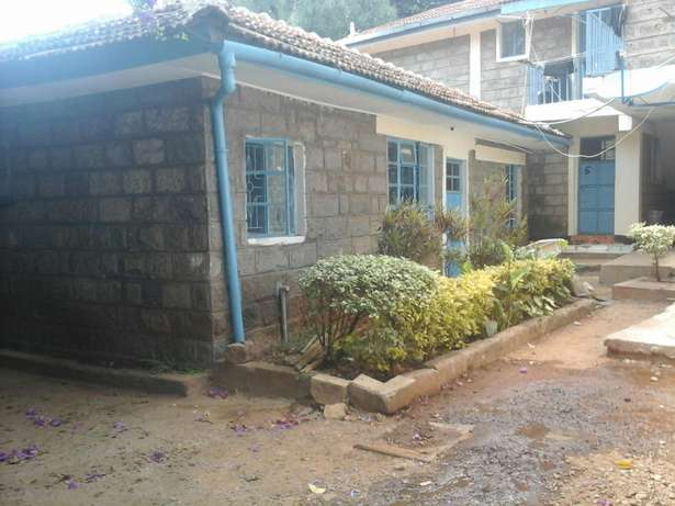 Well maintained 2 bedroom bungalow. Lavington - image 1