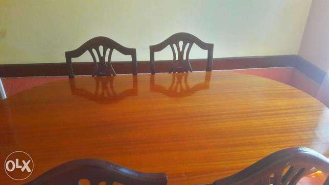 Stylish, luxurious and comfortable dining table for sale! Nairobi CBD - image 3