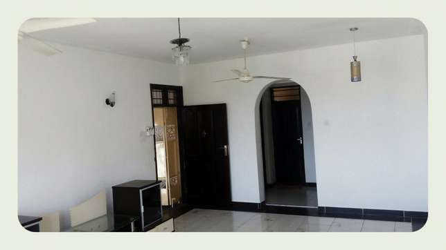 Medium spacious 3 bedroom apartment with 4 tenants only in the compou Nyali - image 1