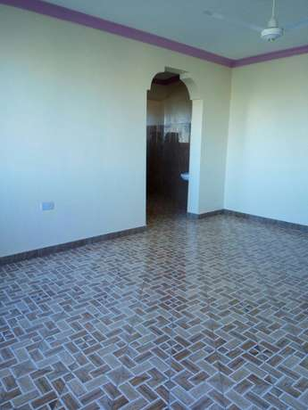Executive one bedroom hse to let Bamburi - image 2