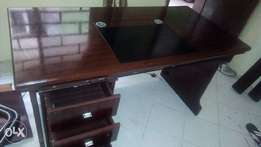 1.2 meters Fairly Used Foreign Executive Office Table