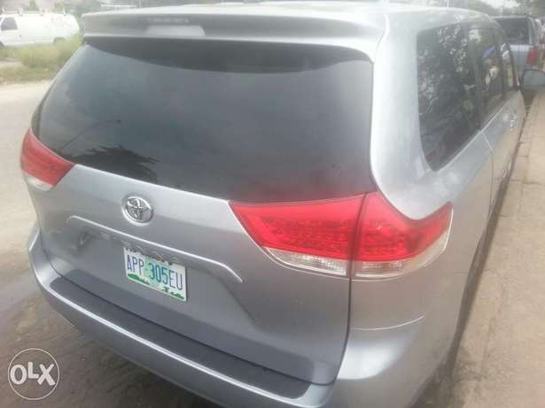 One year used toyota sienna 2012 tincan cleared Apapa - image 7