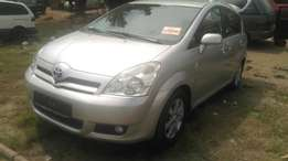 Tokunbo toyota corolla verso 2006 for sale