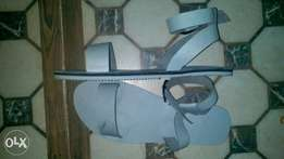 Women 2in1 convertible sandal 4 lovers of Quality.5 different colours
